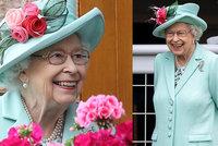 Rozchechtaná králova: Alžběta II. se hodila do mentolové a vyrazila na dostihy