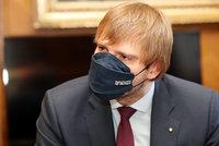 """""""Za Vojtěcha se stydím."""" Úředník zrušil ministrovi trvalé bydliště ve Včelné, ten se diví"""