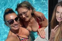Dvě kočky v bazénu! Alice Bendová ukázala v plavkách i maminku Zlatu