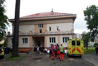 V Sokolově zkolabovalo 20 studentů střední školy: Co se jim stalo, je záhadou