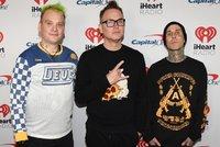 Je to na nic! Zpěvák oblíbené kapely Blink 182 přiznal léčbu rakoviny