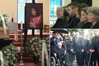 Pohřeb Libuše Šafránkové (†68): Tajemství kopretin na rakvi a v rukou zdrcené sestry (62)!