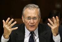 Zemřel hlavní strůjce války v Iráku: Rumsfeld (†88) za Bushe pět let vedl Pentagon