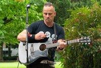 Smrt kytaristy Divokýho Billa Jana Štrupa (†39): Sebevražda, tvrdí jeho kolega!