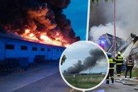 V Letňanech hořela vstupní hala výstaviště: Škoda 150 milionů, část budovy se zřítila