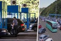 Peklo na chorvatských hranicích. O dlouhé kolony se postaraly covidová přísnost a nápor turistů