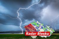 Až 33 °C na Moravě, v Čechách déšť. Hrozí bouřky a kroupy, sledujte radar Blesku