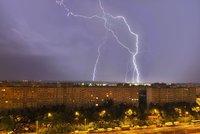 190 tisíc výbojů za 10 minut! Obří bouře nad severem Moravy: Mrak připomínal tornádo!
