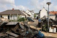 Němci po katastrofických záplavách nasadí očkovací autobus. A chtějí peníze z EU