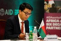 "S atentáty se ""roztrhnul pytel""? Útočníci se chystali zavraždit i prezidenta Madagaskaru"