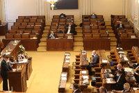Sněmovna, nebo holubník? Desítky poslanců nepřišly do práce! Zítra rozhodnou o důchodech