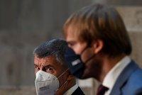 Koronavirus ONLINE: Lékaři můžou ordinovat roušku místo respirátoru a 203 případů za čtvrtek