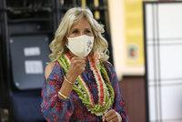 První dáma USA musela do nemocnice: Bidenová se zranila při návštěvě Havaje