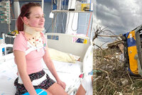 Statečná dívka z tornádem zdemolovaného autobusu: Silvinka (14) je už doma!