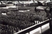 """Nacistický dozorce (100) míří před soud: Měl pomoci vraždě 3500 lidí v """"berlínských jatkách"""""""
