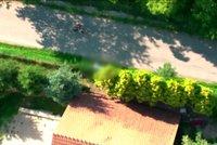 Šílenec, kterého v Brně naháněla policie, je podezřelý z vraždy. Zabíjet měl po loupeži v autobazaru