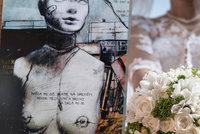 Královna českého komiksu se vdala: Svatbu pojala po svém a provokativně