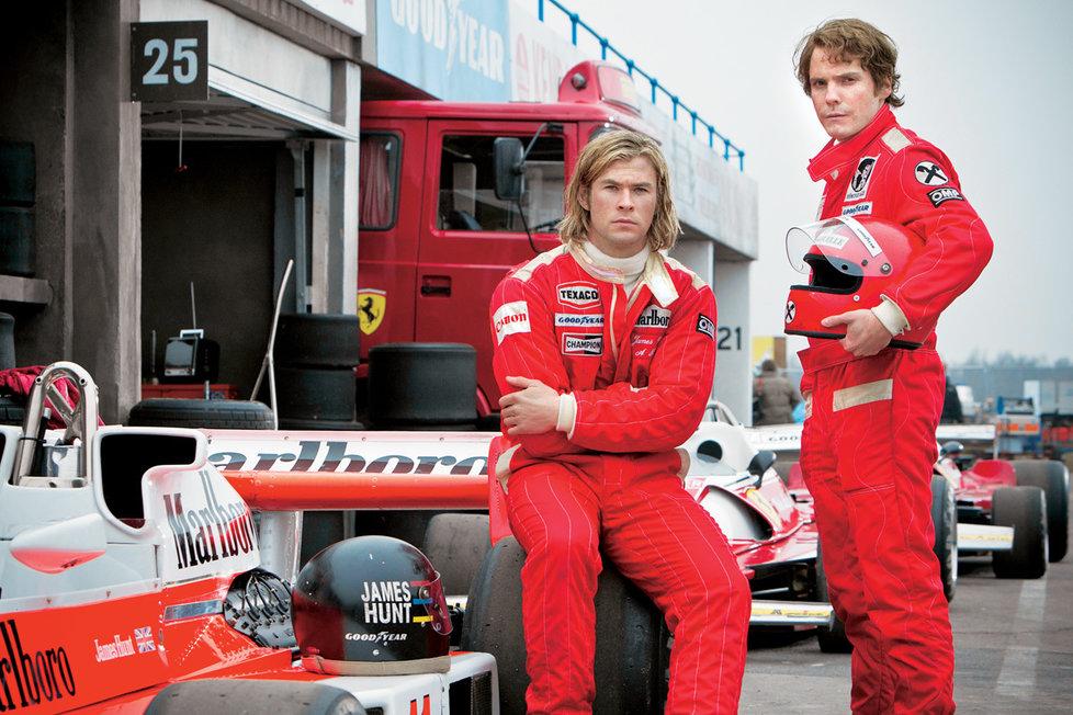 James Hunt aNiki Lauda podle herce Daniela Brühla (vpravo) soupeřili jen naokruhu.  Vreálu se  měli rádi.