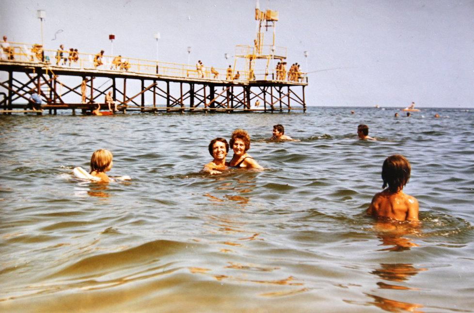 S maminkou jezdil Jaroslav i na společnou dovolenou.