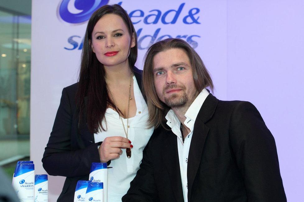 Jitka konečně předvedla svou postavu snů. Petr Čadek ji jako správný partner doprovázel.