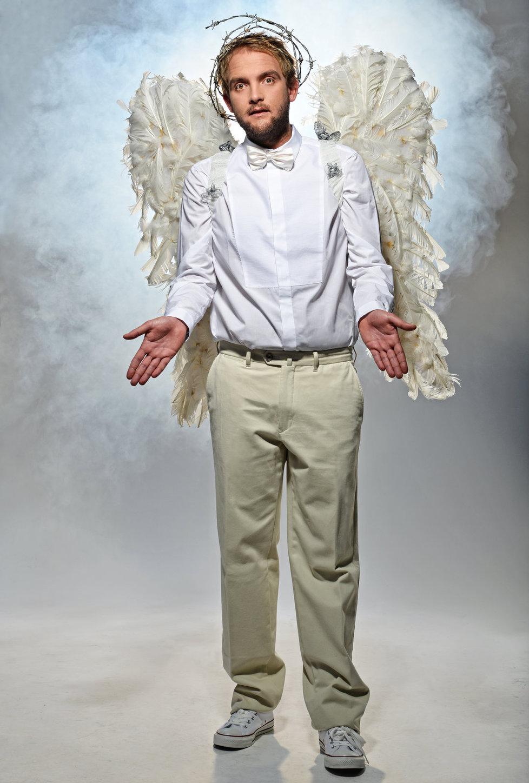 Libor Bouček se převlékl za anděla a hned se tak začal chovat.