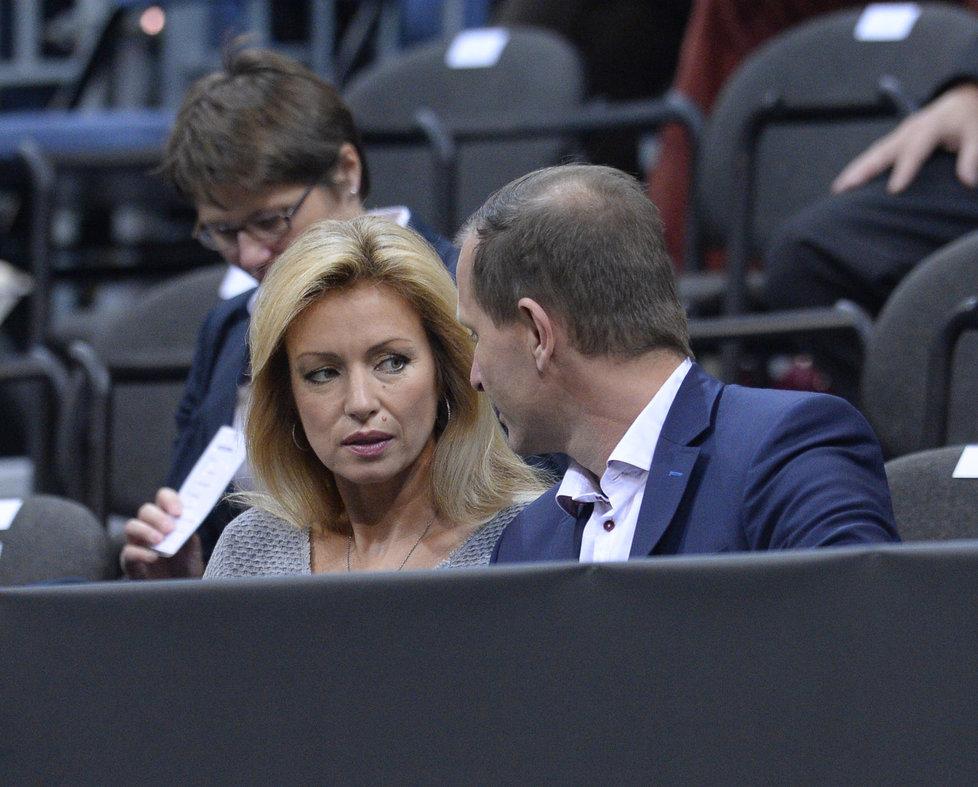 Herečka Kateřina Brožová dorazila na finále Fed Cupu s Jaromírem Soukupem