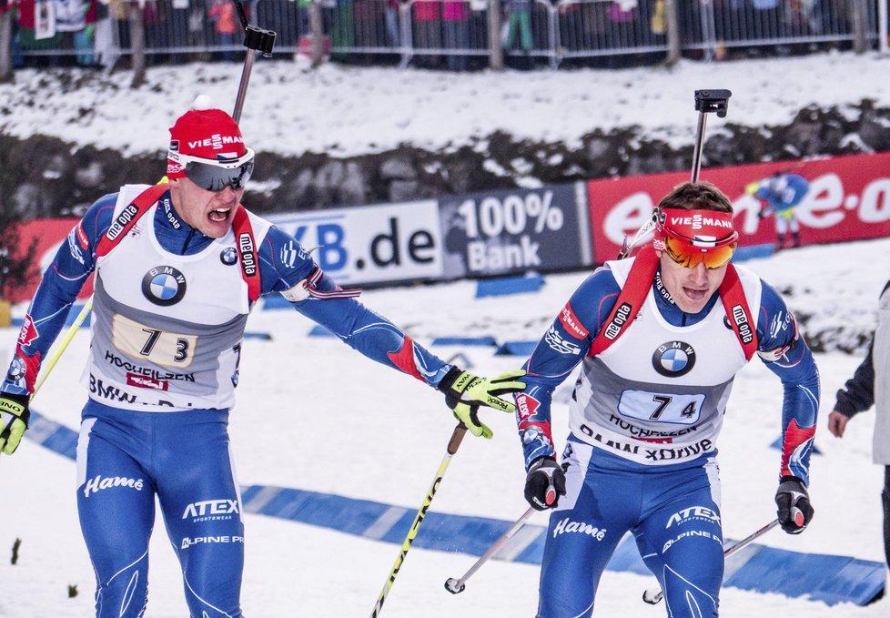 Čeští biatlonisté odstoupili ze štafety v Oberhofu. Michalu Krčmářovi (vlevo) se nevydařil první úsek a ze závodu byl stažen (foto archiv)