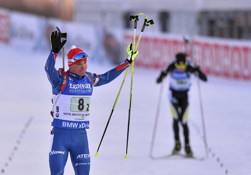 Michal Krčmář zdraví biatlonové fanoušky v Novém Městě na Moravě