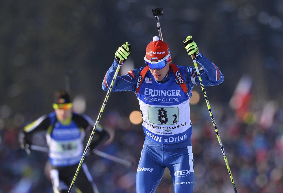 Michal Krčmář na domácím biatlonovém závodě v Novém Městě na Moravě