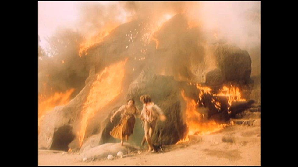 Síla výbuchu na hradě čarodějnic zaskočila celý štáb.
