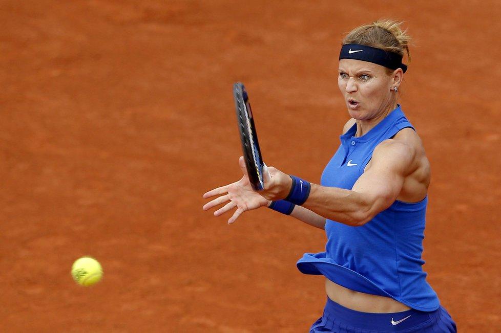 Česká tenistka Lucie Šafářová v utkání na French Open, kdy postoupila do třetího kola