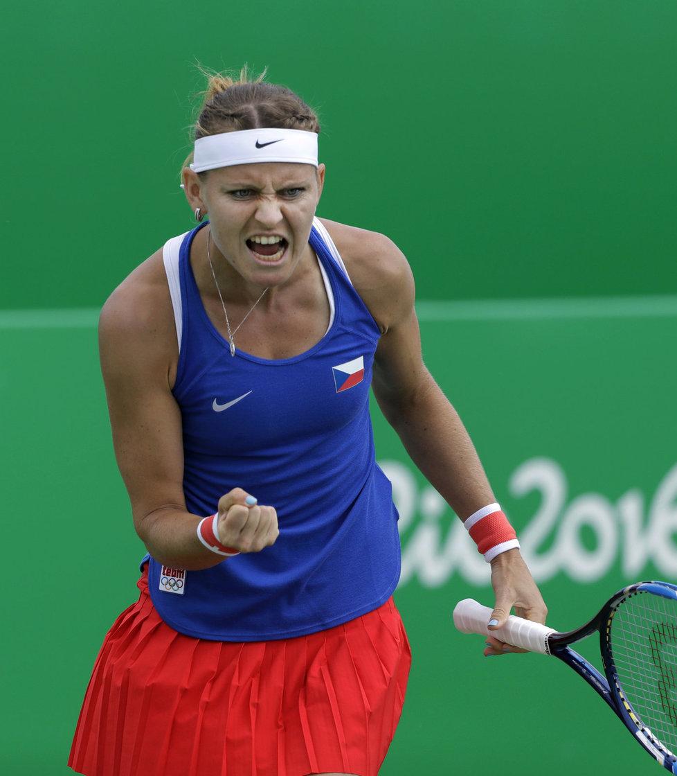 Lucie Šafářová se hecuje ve čtvrtfinále čtyřhry na olympiádě v Riu