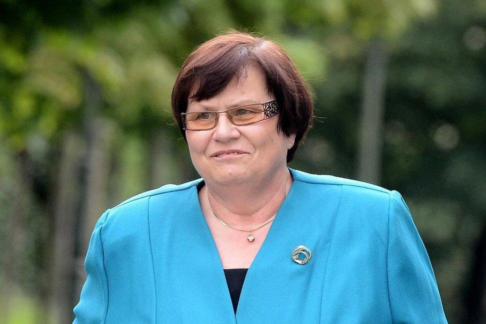 Bývalá nejvyšší státní zástupkyně Marie Benešová, která je ve hře jako budoucí ministryně spravedlnosti, přichází 26. června do Kramářovy vily, kde se setkala s premiérem Jiřím Rusnokem.