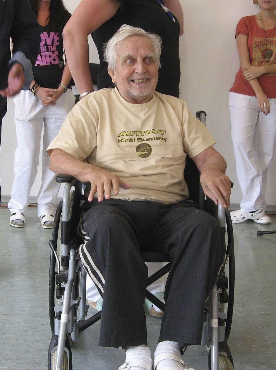 Své lepší i horší dny tráví Jaroslav Čejka v domově důchodců.