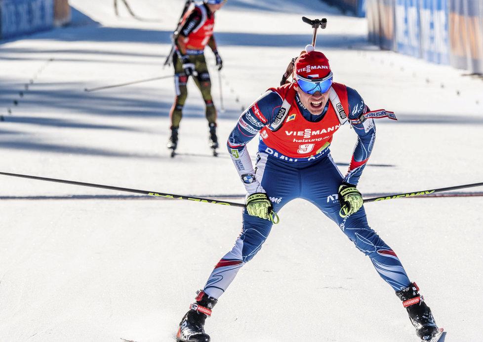 Michal Krčmář se ve stíhačce SP v Pokljuce potřetí za sebou dostal do elitní desítky, tentokrát finišoval desátý