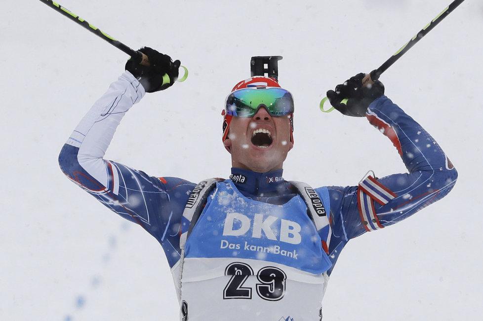 Michal Krčmář prožívá euforii v cíli stíhačky v Ruhpoldingu, ve které si dojel pro první medailové umístění v SP v životě