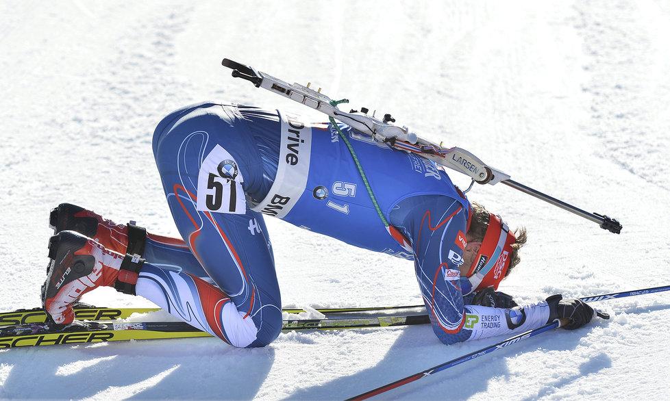 Unavený, ale šťastný Ondřej Moravec v cíli vytrvalostního závodu na 20 km na MS v Hochfilzenu