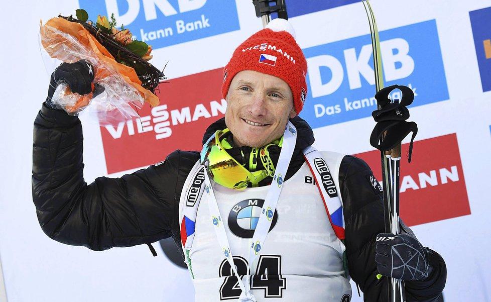 Ondřej Moravec slaví své druhé místo ve sprintu SP v Kontiolahti