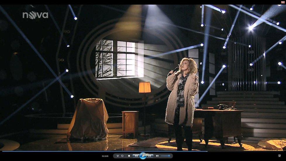 Krejčíková se při zpěvu dojala a rozplakala.