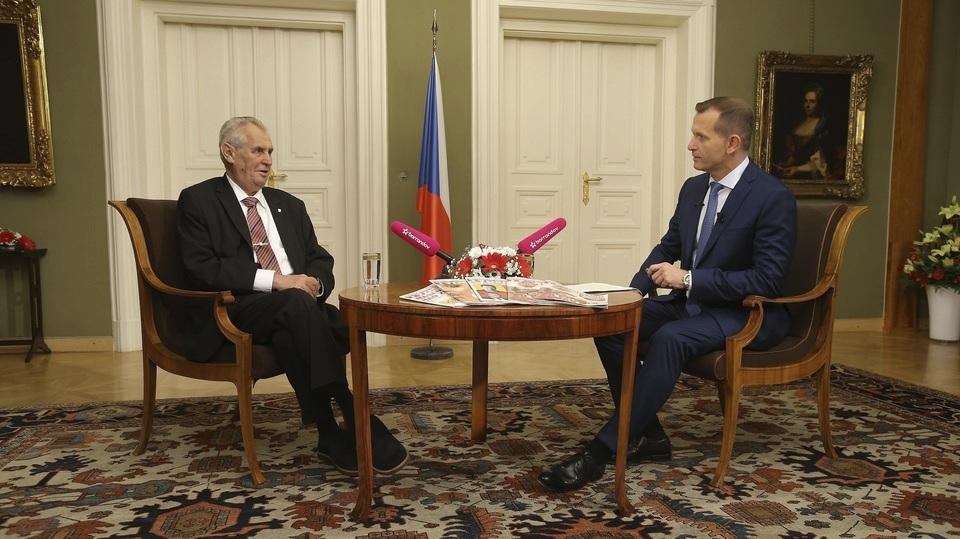 Prezident Miloš Zeman (vlevo) a televizní šéf a moderátor Jaromír Soukup
