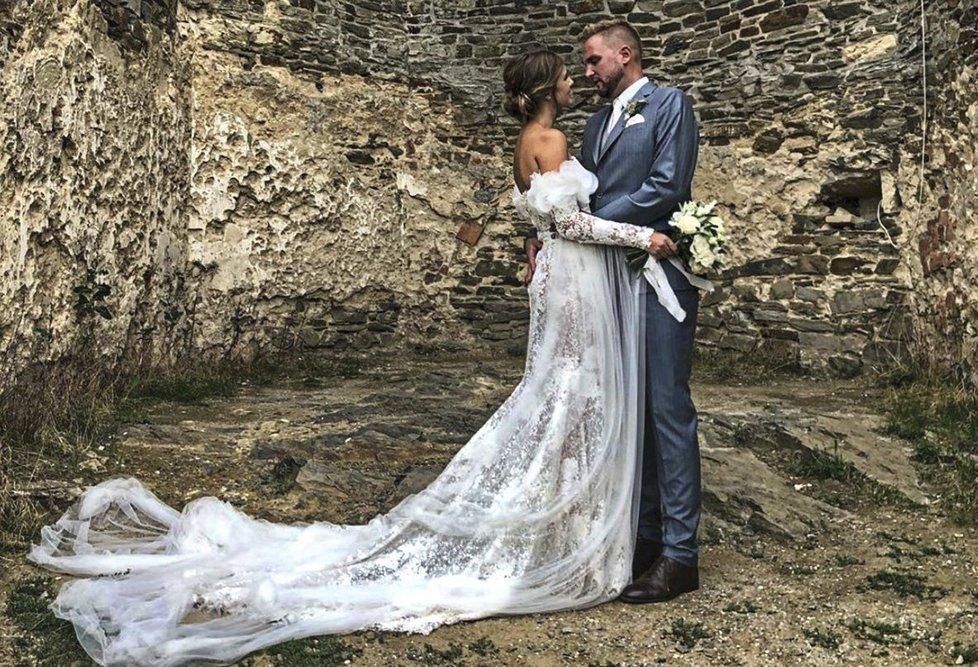 Libor Bouček se potřetí oženil s produkční Gábinou