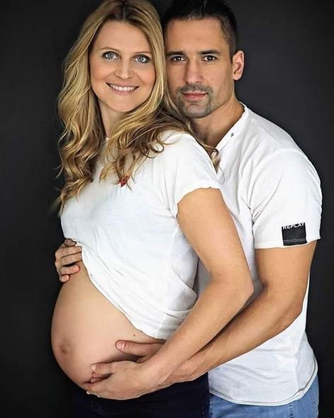 Lucie si těhotenství užívá.