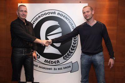 Jiří Komorous (vlevo) na protidrogovém projektu spolupracuje s ředitelem společnosti Médea Jaromírem Soukupem.