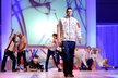 Ondřej Synek prezentuje oblečení pro Olympijské hry v Londýně.