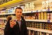 """Petr Havlíček: """"Lépe kupovat jogurt bílý, který se případně dochutí marmeládou. Má obsahovat mléko, mléčnou bílkovinu a probiotické kultury, nic jiného do jogurtu nepatří."""""""