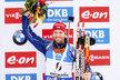 Michal Šlesingr se raduje ze třetího místa ve stihačce v Ruhpoldingu