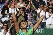 Jiří Veselý v euforii po triumfu nad Novakem Djokovičem na turnaji v Monte Carlu