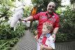 S vnukem Michal nejraději tráví svůj volný čas.