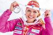 Gabriela Koukalová se chlubí svou stříbrnou medailí ze stíhačky v Oslu