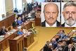 Sněmovna si zve dva své kolegy k vyjádření. Vlevo poslanec Josef Novotný (ČSSD), vpravo Jaroslav Borka (KSČM)